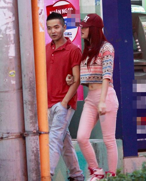 Hương Giang Idol và bạn trai đi mua sắm - 8