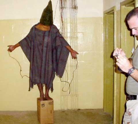 Mỹ: Đền tiền vì ngược đãi 71 tù nhân Iraq - 1