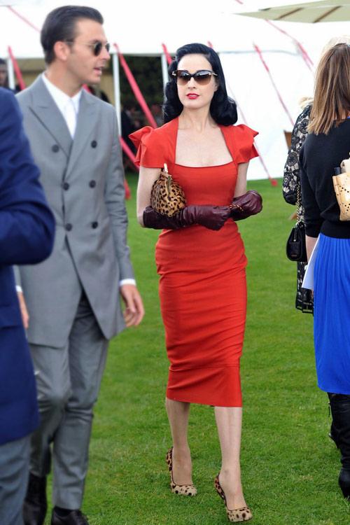 4 ẩn số thời trang của Dita Von Teese - 14
