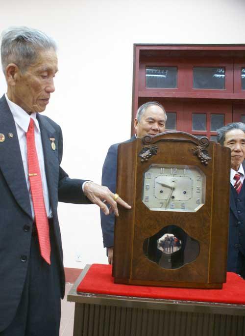 Cụ ông 81 tuổi hiến tặng bảo vật hoàng cung - 3