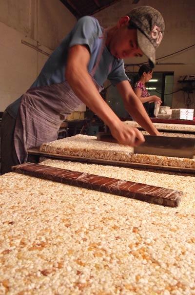Thơm cay bánh cáy Thái Bình - 3