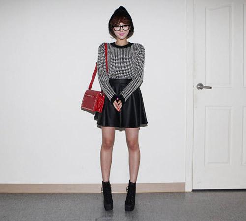 Đa phong cách với áo len ngày lạnh - 2
