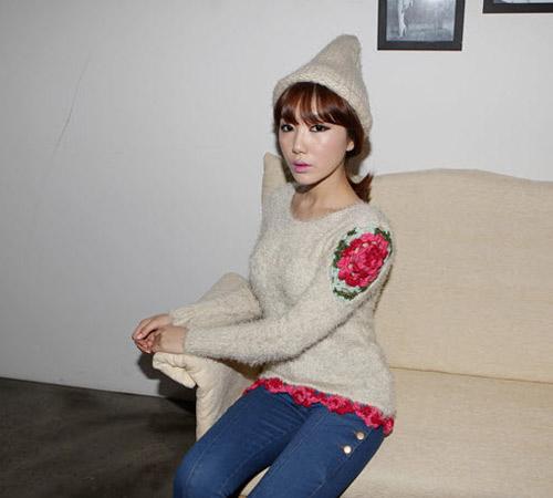 Đa phong cách với áo len ngày lạnh - 6