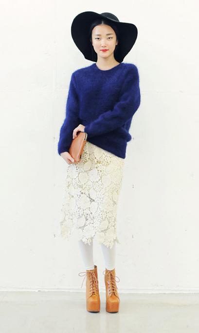 1001 cách kết hợp áo len Tết này - 5