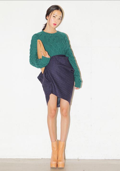 1001 cách kết hợp áo len Tết này - 1
