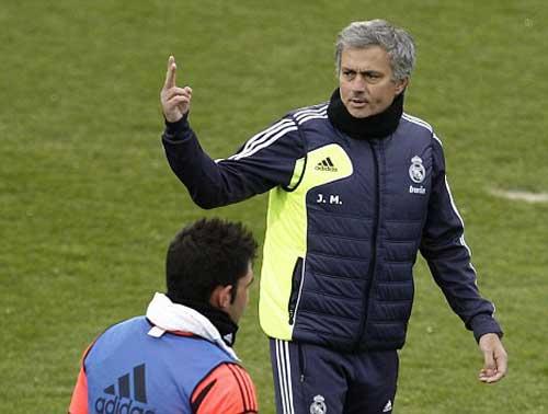 """Mourinho đến """"do thám"""" MU - 1"""