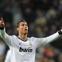Ronaldo kêu gọi CĐV Real ủng hộ Mourinho