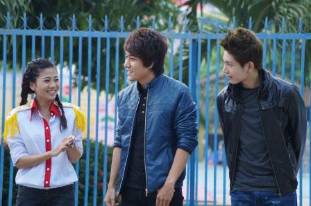 Mai Phương phấn khởi giới thiệu Huy Thọ và Huy Khánh