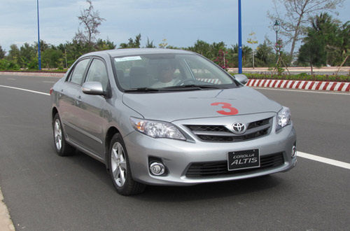 10 mẫu ô tô bán chạy nhất Việt Nam 2012 - 2