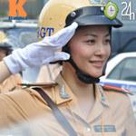 """Tin tức trong ngày - """"Kiều nữ"""" CSGT xử phạt, dẫn đoàn"""