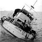 """Kì bí con tàu ma """"không thể chìm"""""""
