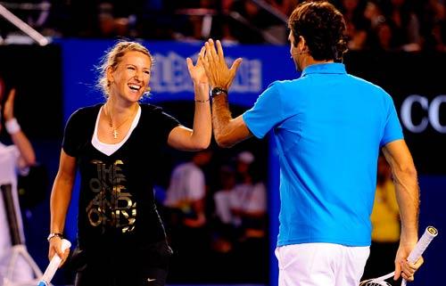Australian Open: Djokovic&Serena nhảy ngựa - 2