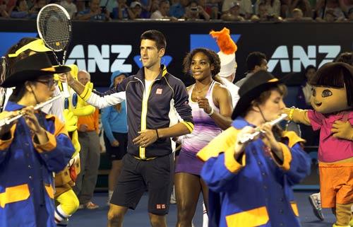Australian Open: Djokovic&Serena nhảy ngựa - 3