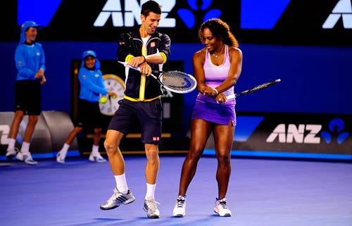 Australian Open: Djokovic&Serena nhảy ngựa - 4