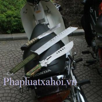 NK141: 4 đối tượng và con dao dính máu - 3