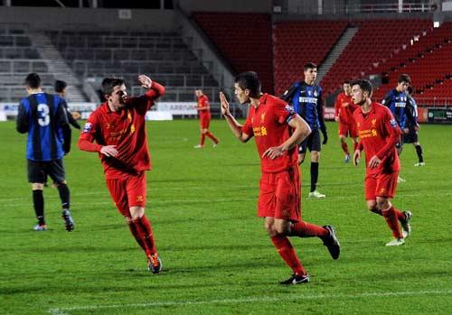 Fan MU–Liverpool: Đại chiến trước giờ G - 2