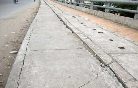 Sụt lún nguy hiểm trên cầu Cái Răng - 7
