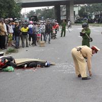 Tai nạn nghiêm trọng dưới cầu vượt Hòa Cầm