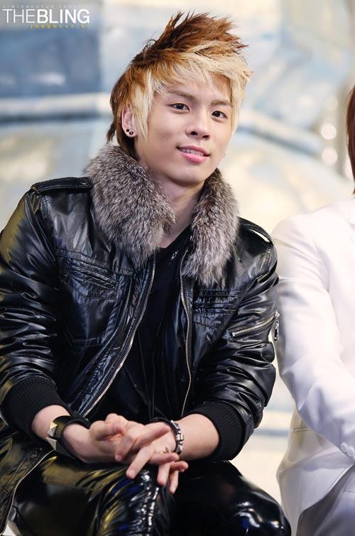 13 idol Hàn có mái tóc nhuộm cực chất - 4