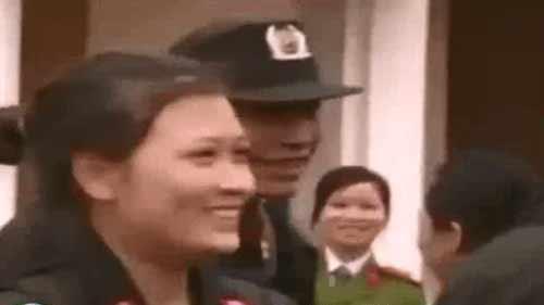 Xem đội nữ đặc nhiệm đầu tiên luyện tập - 1
