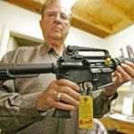 Thế giới - Người Mỹ mua súng nhiều chưa từng thấy