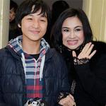 Ca nhạc - MTV - Mẹ con Thanh Lam đi xem Đặng Thái Sơn