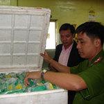 Thị trường - Tiêu dùng - Phát hiện hàng chục tấn thực phẩm quá hạn