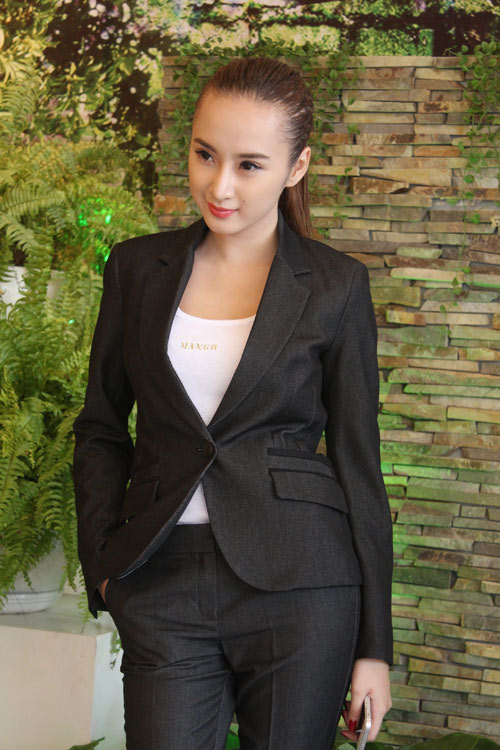 Phương Trinh không gây nhức mắt từ 2013 - 4