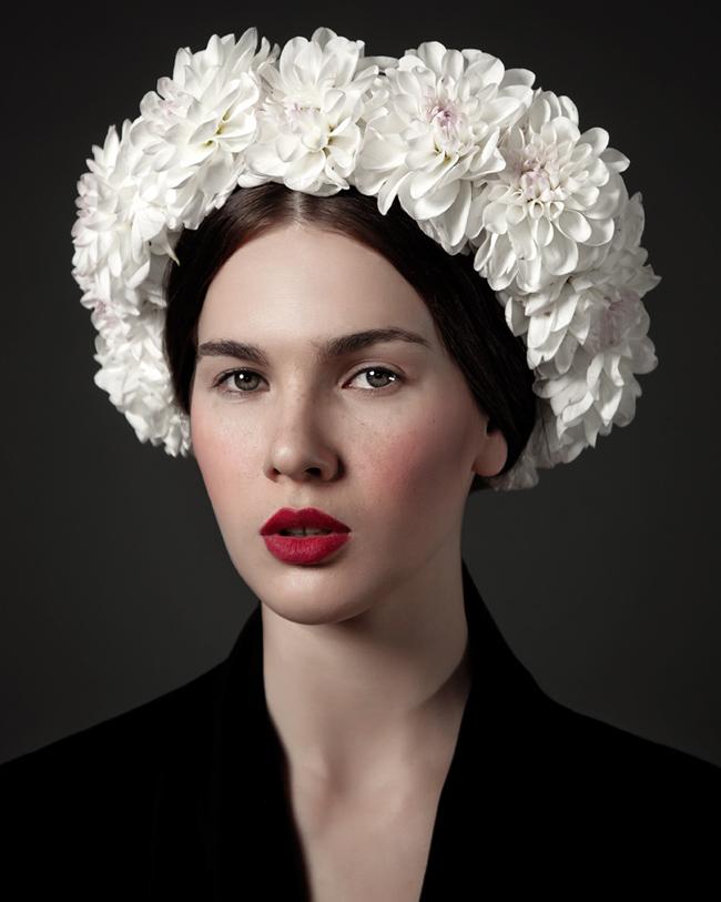 Mái tóc đượm vẻ cổ điển với cảm hứng từ những bông hoa cúc