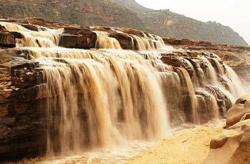 Chiêm ngưỡng thác nước đẹp mê hồn ở Trung Quốc - 2