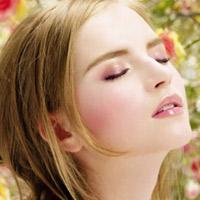 Dưỡng da trắng hồng với kem MD Flawless