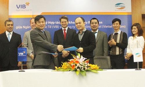 VIB ra mắt dịch vụ Mobile BankPlus của Viettel - 1