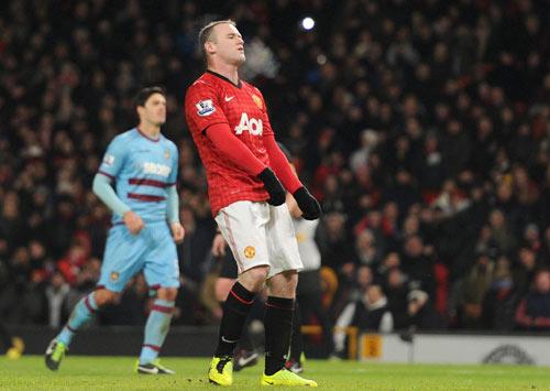 Hàng công MU: Lo dần đi là vừa, Rooney! - 1