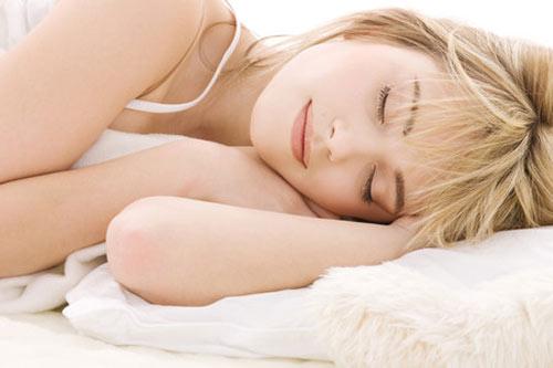 "6 lợi ích bất ngờ của ngủ ""nude"" - 1"