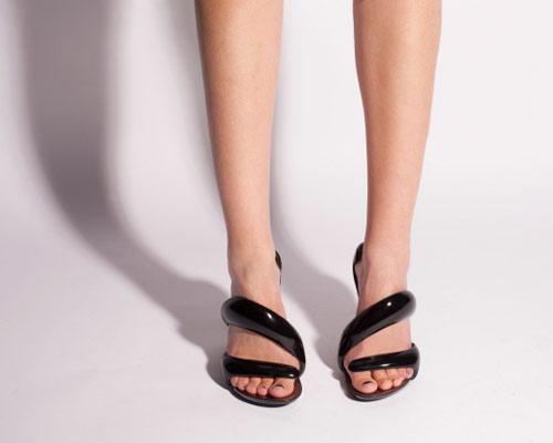 Giày xoắn thách thức tín đồ cá tính - 7
