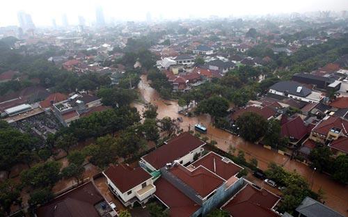 """Chùm ảnh: Lũ """"nhấn chìm"""" thủ đô Indonesia - 12"""