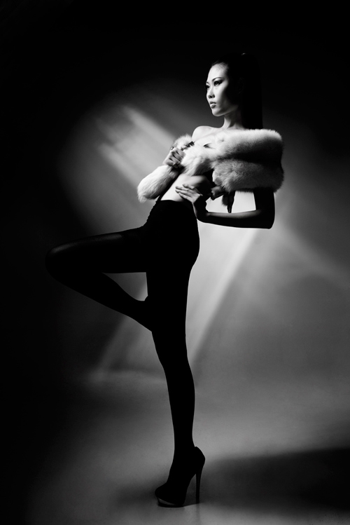 Mai Giang mặc nội y, đeo khăn lông - 2