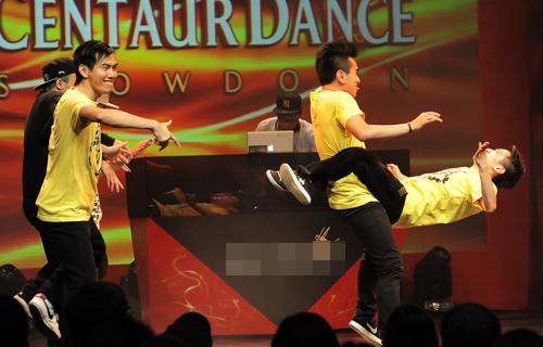 Thái Y Lâm tôn vinh nhóm nhảy Việt - 15