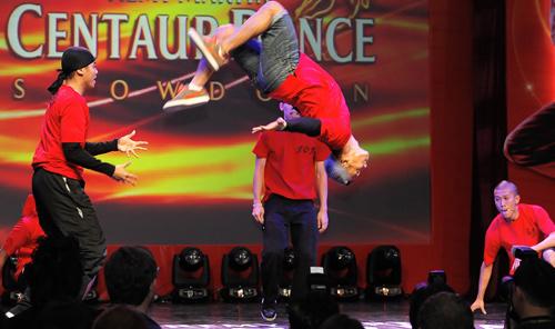 Thái Y Lâm tôn vinh nhóm nhảy Việt - 16