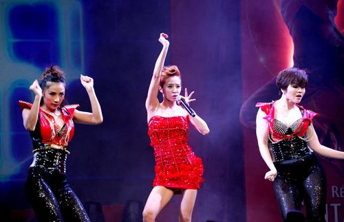 Diva xứ Đài nhảy cực sung - 11