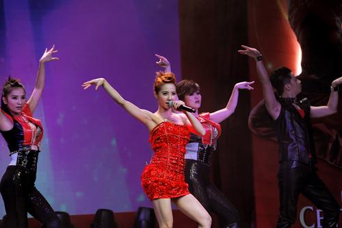 Diva xứ Đài nhảy cực sung - 12