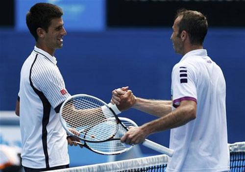 Pha bóng cười vỡ bụng ở Australian Open ngày 5 - 1