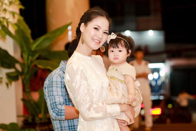 Trần Thị Quỳnh khoe con gái yêu - 4