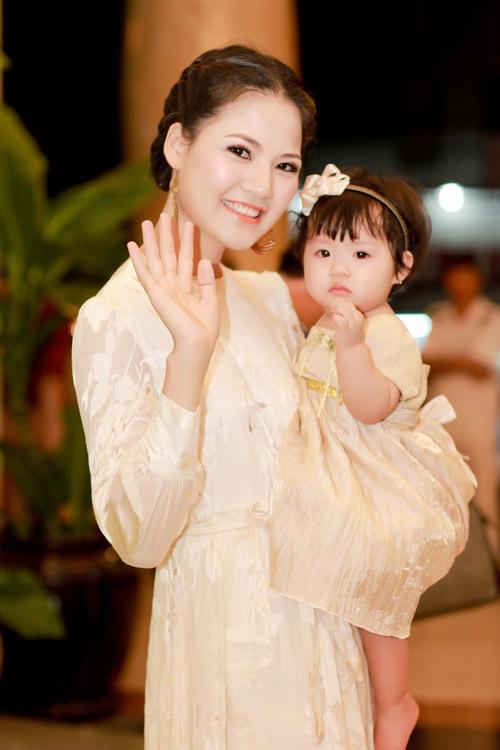 Trần Thị Quỳnh khoe con gái yêu - 5