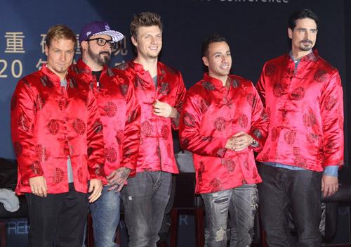 Backstreet Boys tái hợp làm liveshow - 5