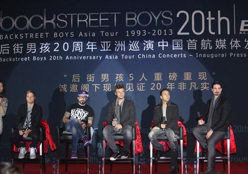 Backstreet Boys tái hợp làm liveshow - 2