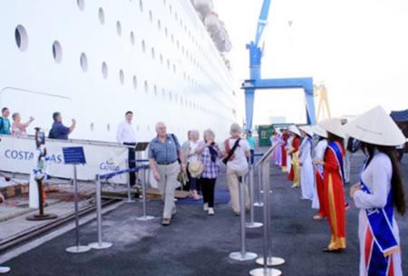 Đà Nẵng hút khách du lịch đường biển: Mừng & lo - 1