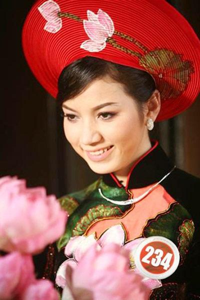 """Những cô dâu """"mở hàng"""" showbiz Việt 2013 - 2"""