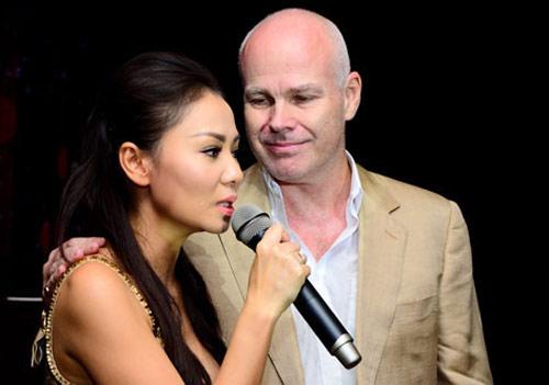 """Những cô dâu """"mở hàng"""" showbiz Việt 2013 - 17"""