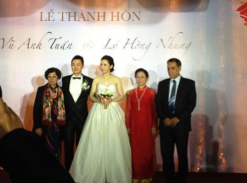 """Những cô dâu """"mở hàng"""" showbiz Việt 2013 - 1"""